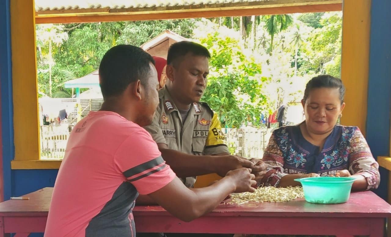 Turun ke Desa Setiap Hari, Cara Bhabin Simeulue Berikan Edukasi Kamtibmas