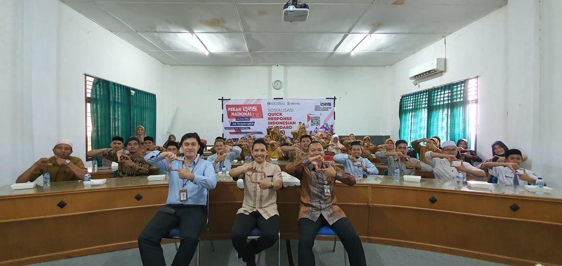 BI Perwakilan Aceh Sosialisasi QRIS di Pesantren Darul Ulum