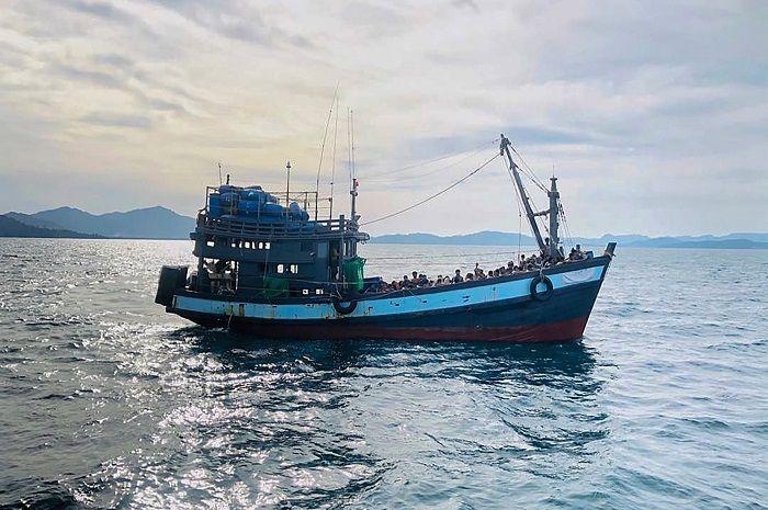 Kapal imigran Rohingya Terpantau di Selat Malaka