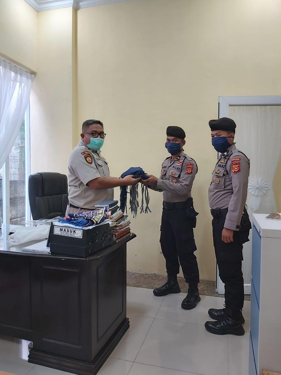 Ditsamapta Polda Aceh Bagikan 350 Masker Pada Personelnya