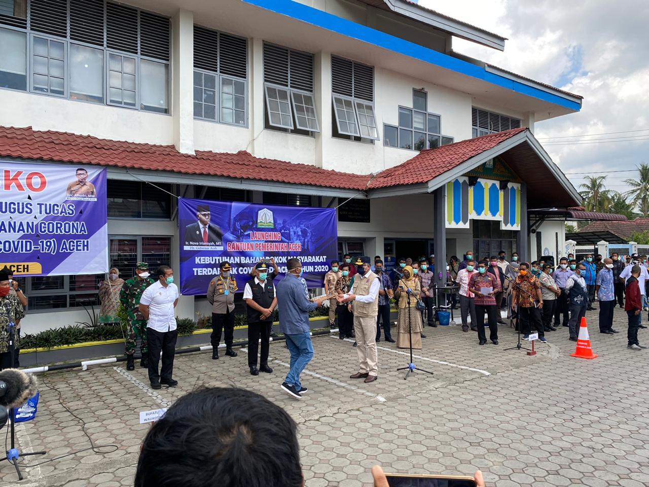 Pemerintah Aceh Salurkan Bantuan Sembako Bagi Masyarakat Terdampak Corona