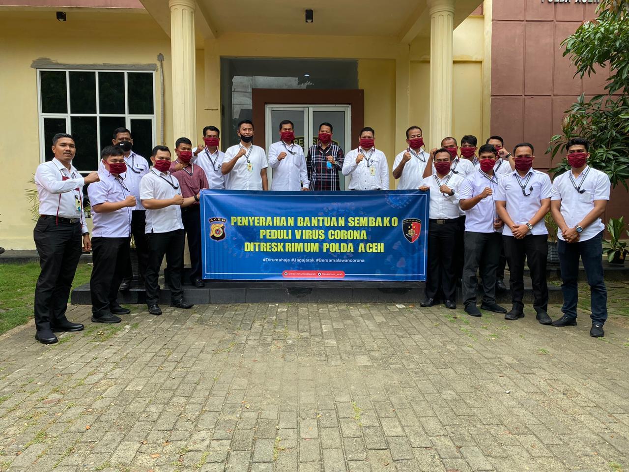 Di Tengah  Pandemi Covid-19, Dit Reskrimum Polda Aceh Serahkan Bantuan Sembako ke Pondok Yatim Tahfidz Quran